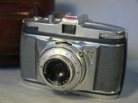 '  BELLA 44 ' Bella 44 Vintage Cased Camera £9.99